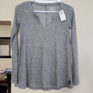 new with tags! Hollister long sleeve